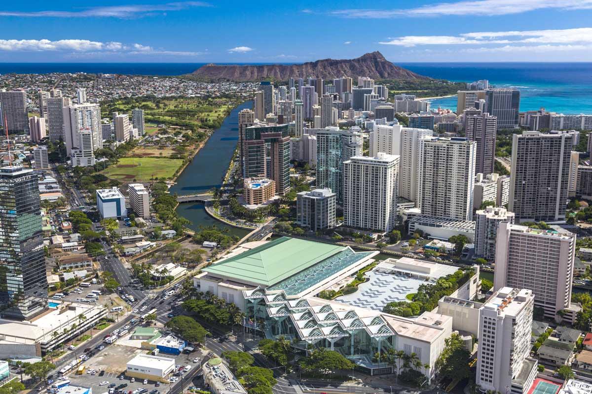 夏威夷会展中心及威基基地区鸟瞰图 建筑设计:Wimberly, Allison, Tong, & Goo
